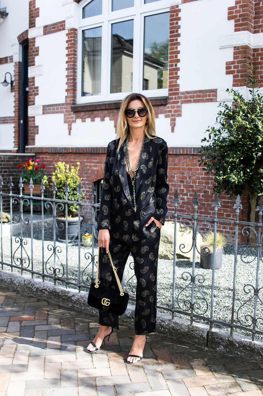 long pearl necklace, zara suit, gucci marmont bag-2533 jacket with matching pants