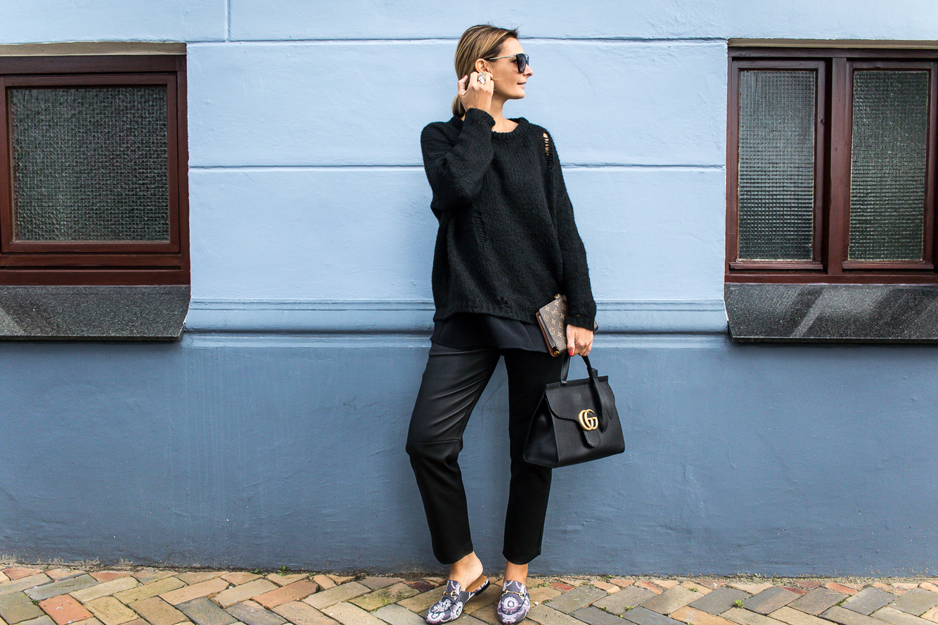all black look with gucci slippers and bag-8634