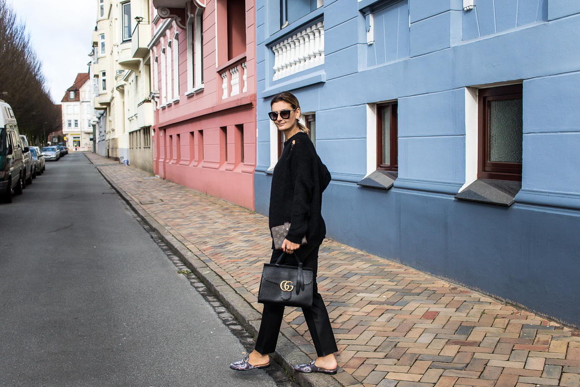 all black look with gucci slippers and bag-8705