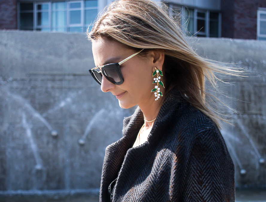 FI 2 statement earrings oscar de la renta-8316