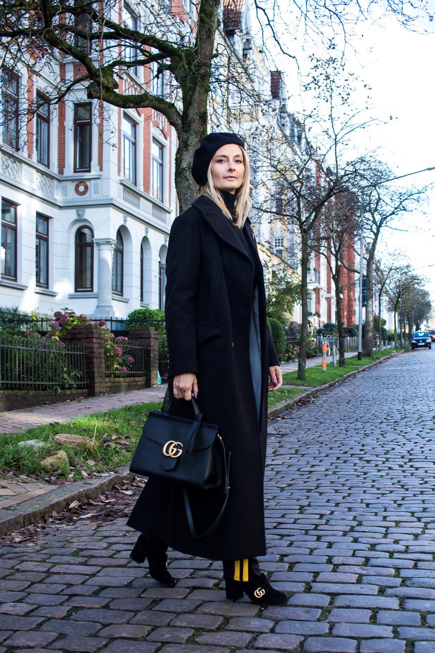 jogging pants, all black, long coat-4870