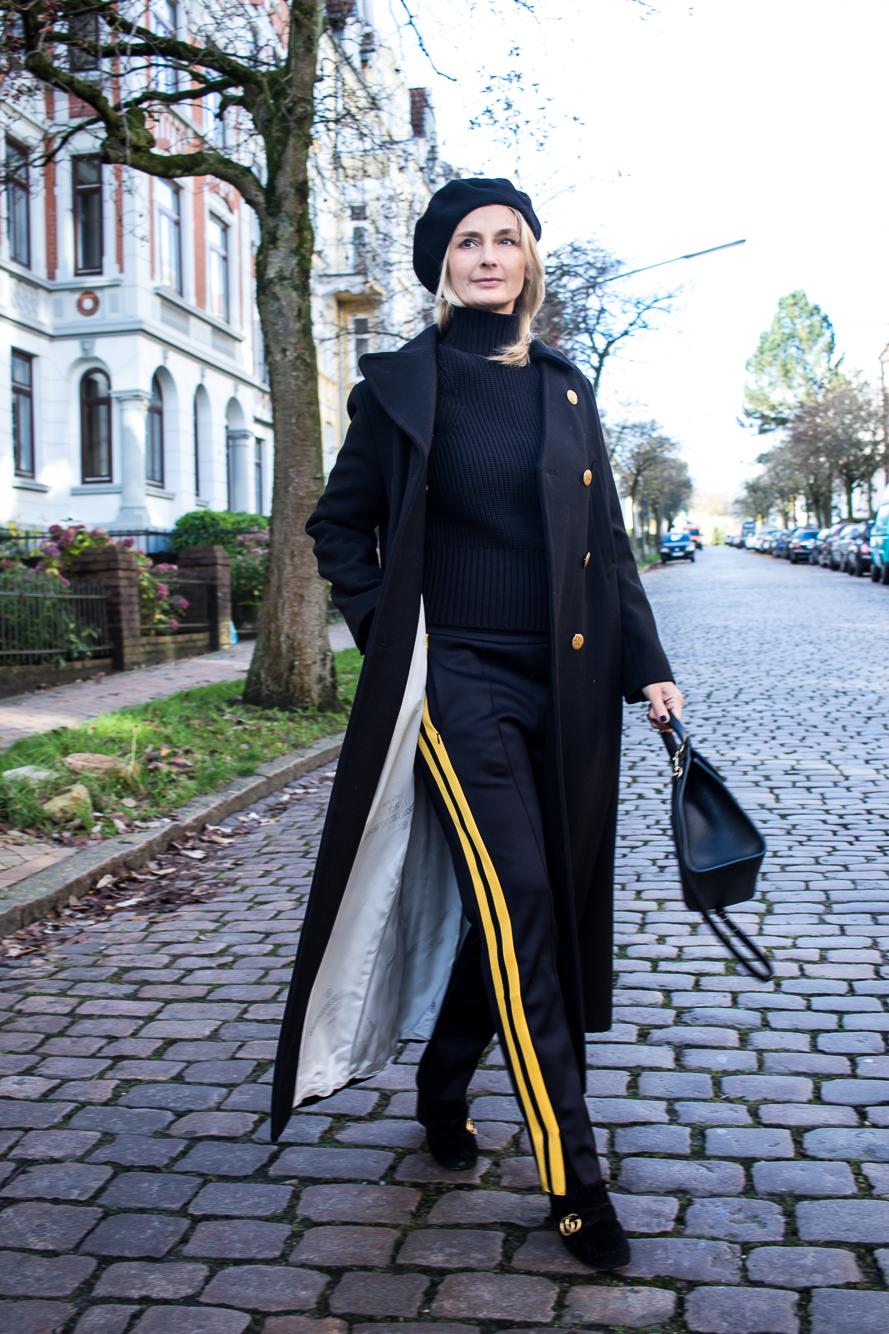 jogging pants, all black, long coat-4875