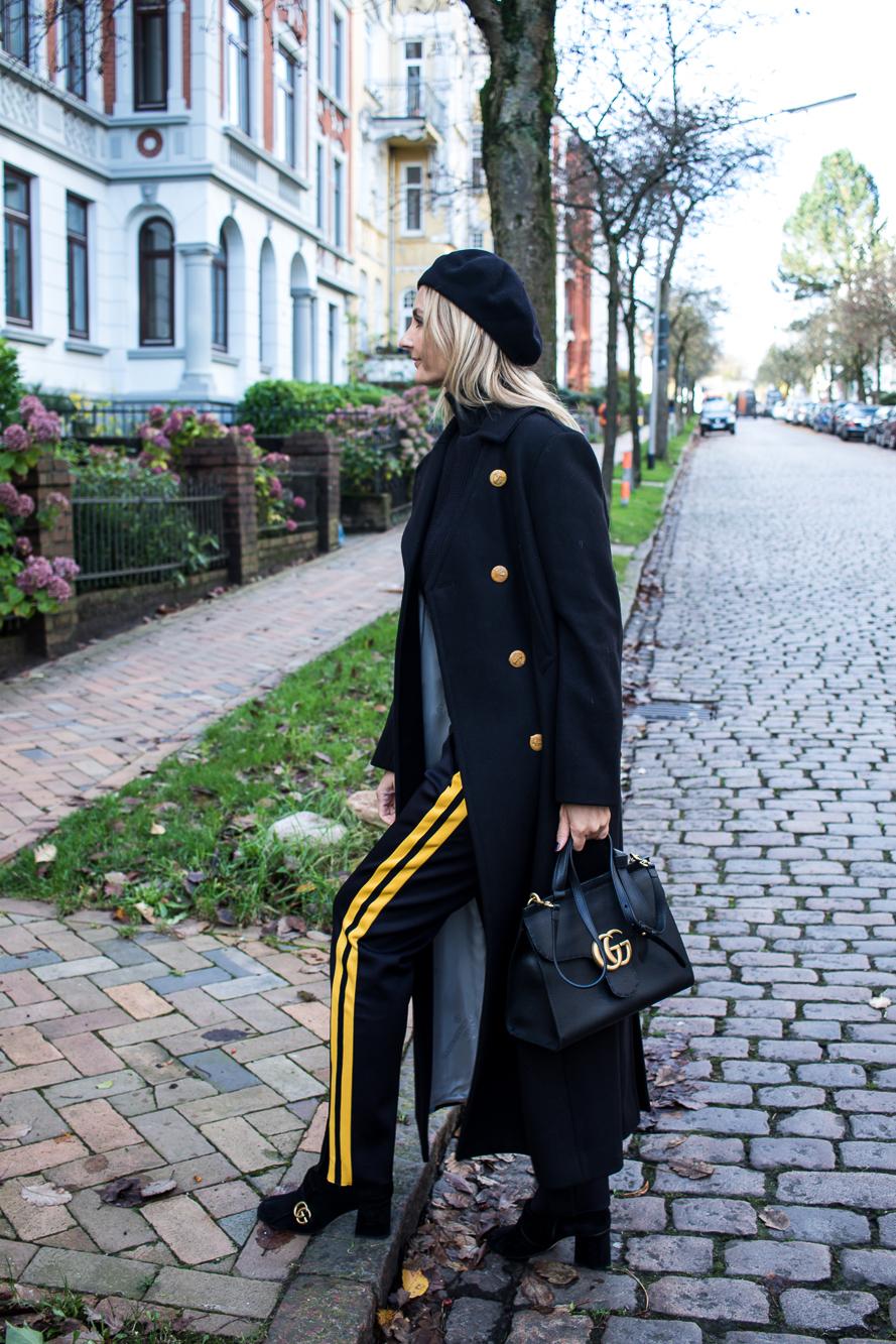 jogging pants, all black, long coat-4897